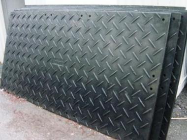 Bodenschutzplatte PVC beidseitig geriffelt Tragfähigkeit 50t